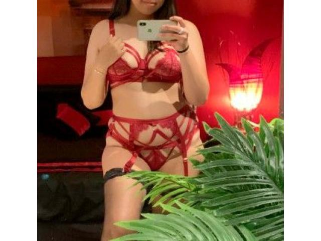 Stripping, Rimming, Deep Throat – Exotic and Naughty Jasmine!