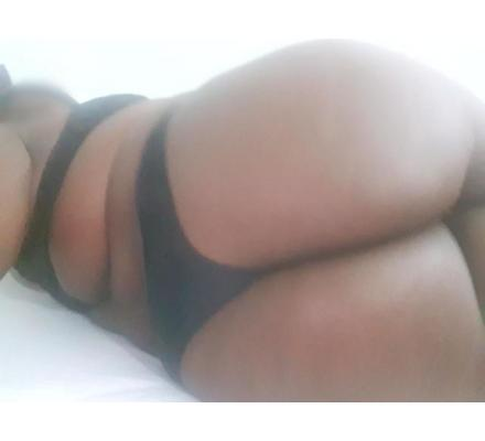 JUICY AFRICAN ENGLISH BBW LATE 20s AVAILABLE  WED 12th FEB 9-11PM TONIGHT ONLY!
