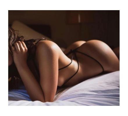 ALISON-Sexy, young-22-Year-Old Italian Brunette Available for a Sensual Massage!