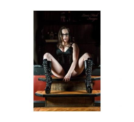 Searching for newbie, render services/great sessions and a slave/mistress relationship