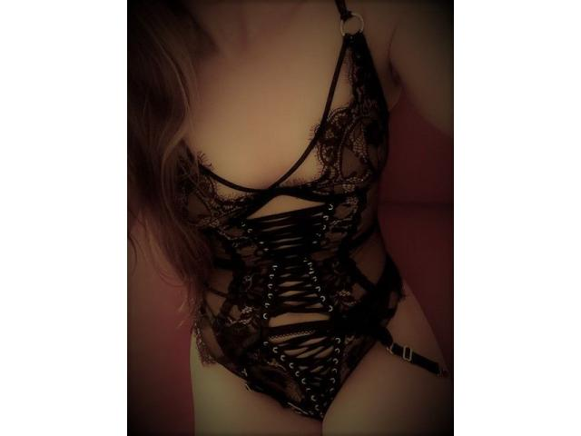 Tall, leggy Canadian Babe Emily available for Sensual Massage NOW!