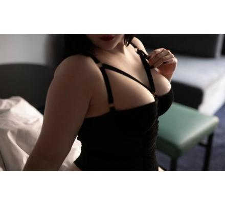 Ruby Luxx - Juicy and Curvy - 0478 892 666 Canberra