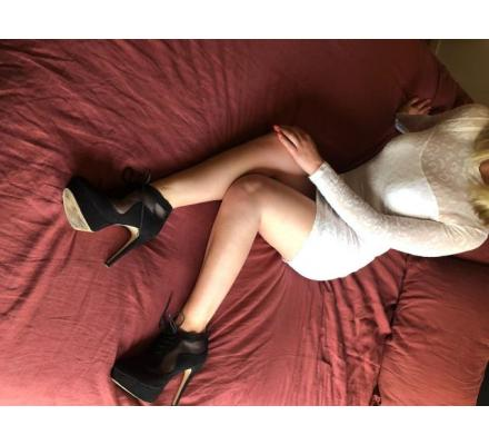 Dawn Taylor - Blonde Sweetheart - 0434 858 717 Canberra