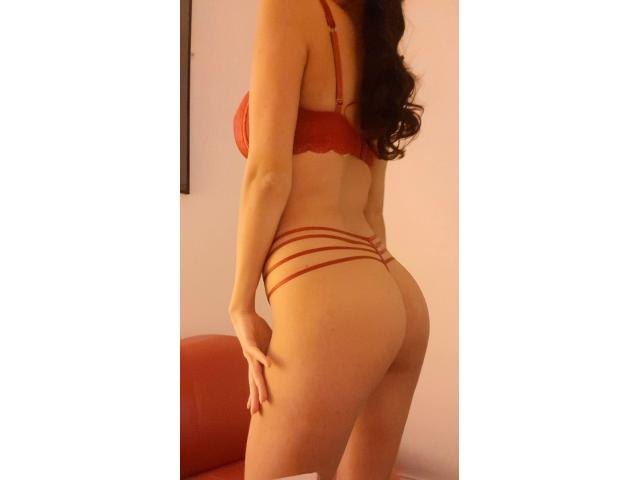 ROSE: 21 YR OLD! Cute, Baby-faced Brunette available for a sensual massage!