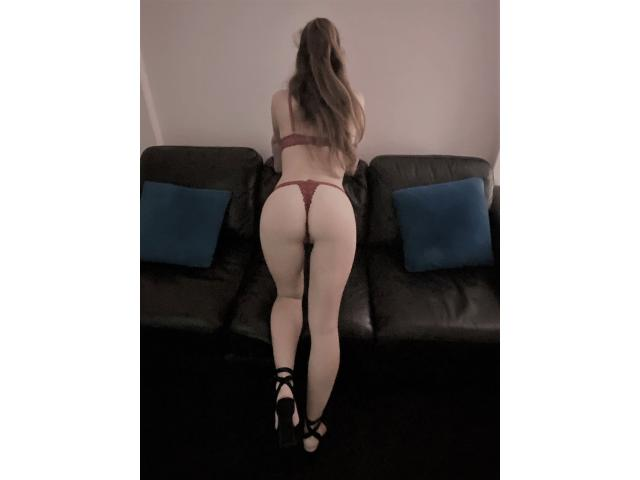 SEXY 22 YR OLD Italian STUNNER with a very dirty mind ???? …..