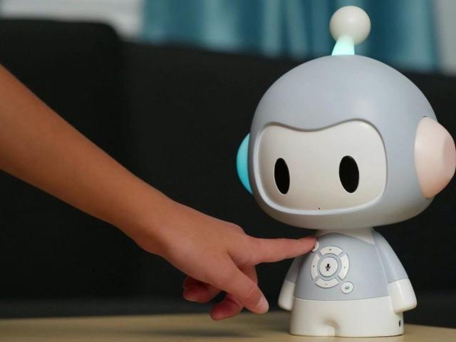 Screenless Coding Robot For Kids