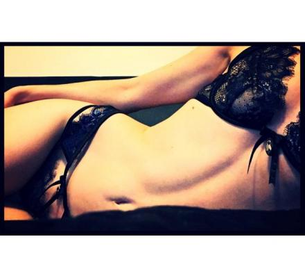 TANTRIC & SENSUAL Massage with VIOLET Petite Australian Masseuse AA Cup - 25