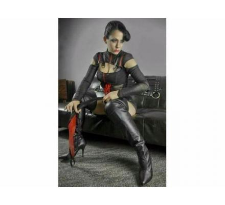 BDSM Sessions With Mistress Vivian.
