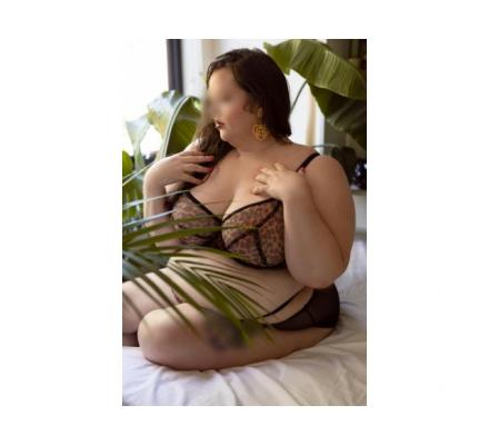 Laurel De Luna - BBW Beauty - 0475719668