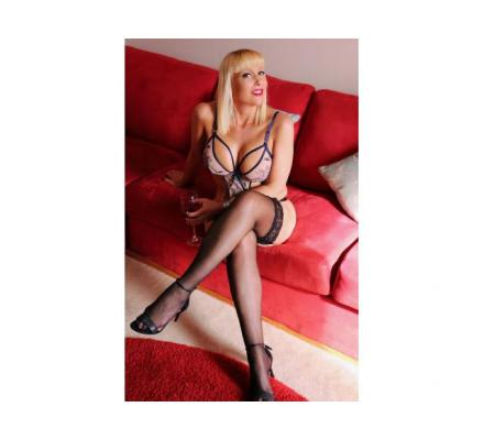 Yummy Mummy Makes Everyday Valentine's Day. Party Bookings Welcome!