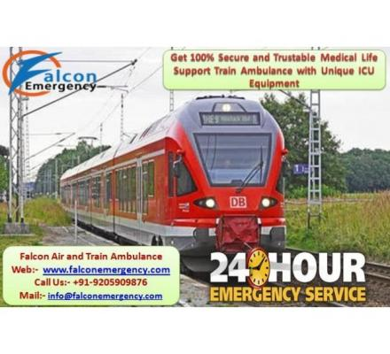 Get Affordable Train Ambulance from Varanasi to Delhi with ICU Facility