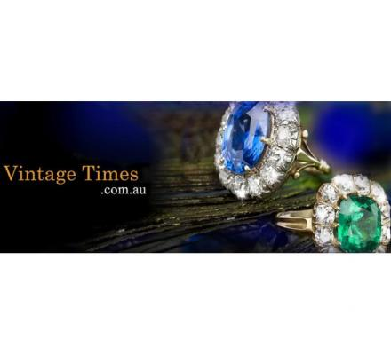 Diamond and sapphire engagement ring - Vintage Times