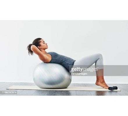 4 Reasons To Use An Exercise Ball In Your Daily Workout