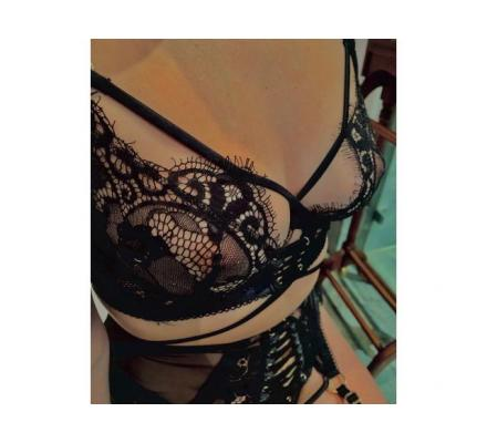 Cute and Petite Irish Brunette available for sensual massage NOW!