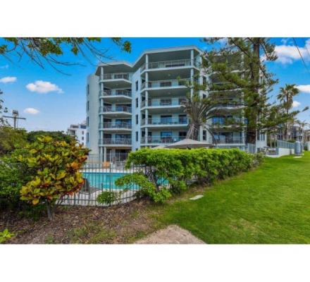 Are You Looking For The Best Holiday Apartments in Caloundra ?