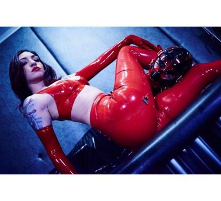 Searching for newbie, render services/great sessions and a slave/mistress relationship.