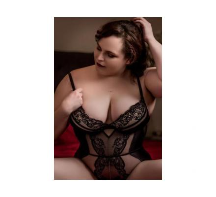 **Oaklands Park** Sweet, Sensual and Passionate Ashley Hunter