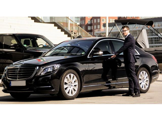 Hire Luxury Melbourne Chauffeurs Now