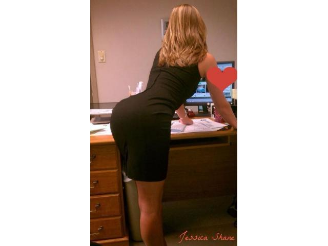 Sexy Blonde Australian Secretary Ready to Service Your Needs!