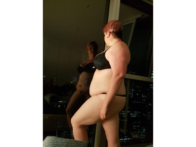 Curvy Alternative Chick Wanting to satisfy your needs.