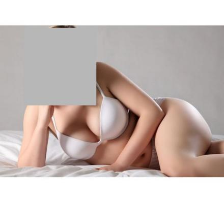 Busty 38DD blonde, mature 47, discreet, plump, fun girlfriend experience