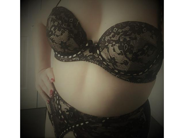 Gorgeous Aussie Brunette Bonnie May from $150