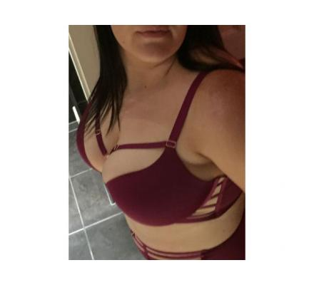 YOUNG Natural BUSTY AUSSIE!