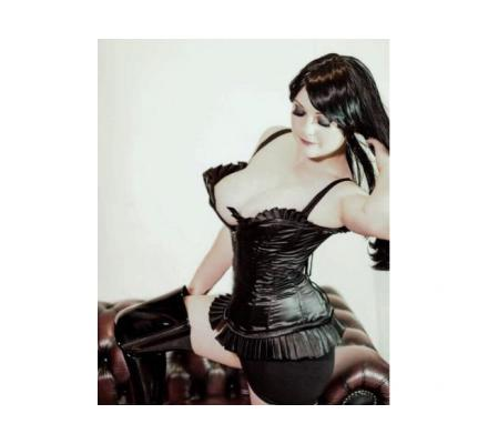 BEGINNERS A SPECIALTY... Explore your kinky side with Me