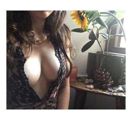 DEVOTIONAL SENSUAL MASSAGE & Tantra sessions with Lauren