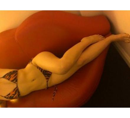Dorothy a Sexy blonde Aussie bombshell just 22 yrs old! Available for a Nuru massage 😉