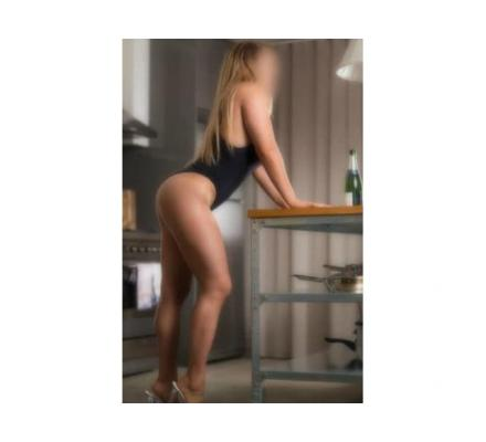 Blonde Glamour Model - Aura XXX  0431 923 756
