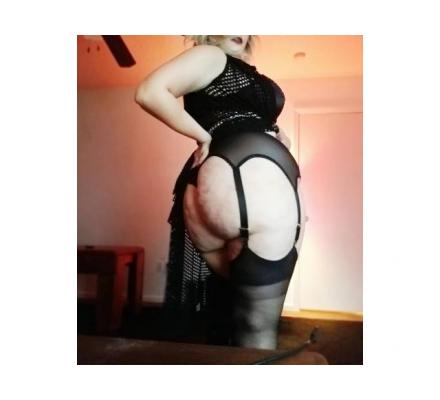 Experience Mistress looking to own a slave for a long term relationship