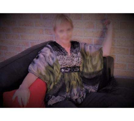Aussie Mature Country Lady Touring NSW